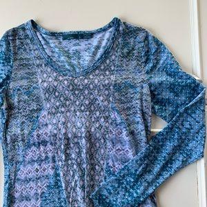 Women's prana long sleeve tee small